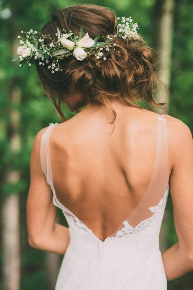 30-Photos-of-Bridal-Flower-Crowns-for-a-Romantic-Wedding-Day-Look